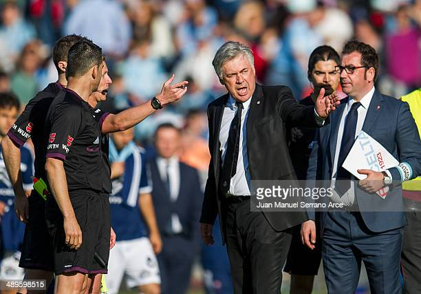 Head coach Carlo Ancelotti of Real Madrid argues with the referee during the la Liga match between Real Club Celta De Vigo and Real Madrid CF at...