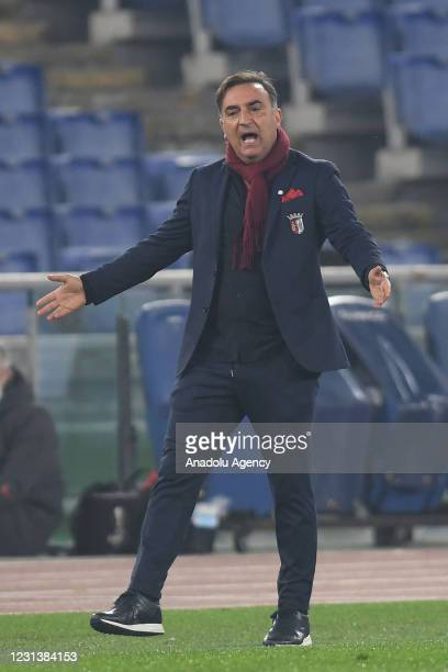 Head coach Carlos Carvalhal of SC Braga gestures during the UEFA Europa League group A match between AS Roma an SC Braga at Stadio Olimpico on...