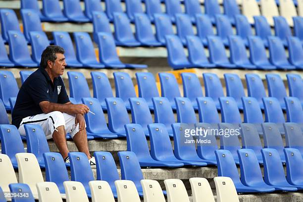 Head coach Carlos Reinoso of Queretaro reacts during a match between Queretaro and Toluca as part of the 2010 Bicentenary Tournament in the Mexican...