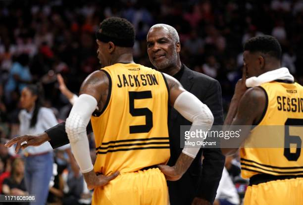 Head coach Charles Oakley of Killer 3s talks to Stephen Jackson during the BIG3 Championship game against the Triplets at Staples Center on September...