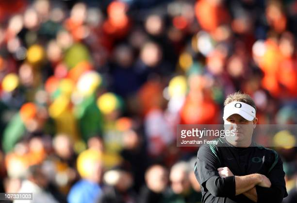 Head Coach Chip Kelly of the Oregon Ducks prepares with his team before the game against the Oregon State Beavers during the 114th Civil War on...