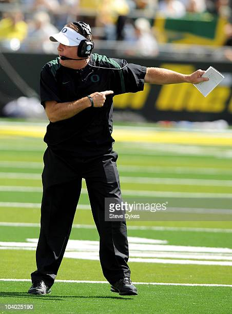 Head coach Chip Kelly of the Oregon Ducks yells directions to his team in the second quarter of the game against the New Mexico Lobos at Autzen...