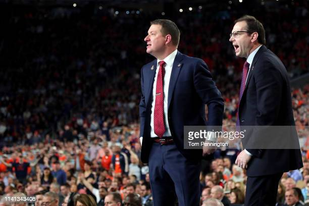 Head coach Chris Beard of the Texas Tech Red Raiders reacts against the Virginia Cavaliers in the second half during the 2019 NCAA men's Final Four...
