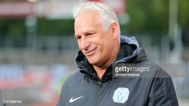 Head coach Christian Neidhardt of Meppen looks on prior to the 3. Liga match between SC Fortuna Koeln and SV Meppen at Suedstadion on May 06, 2019 in...