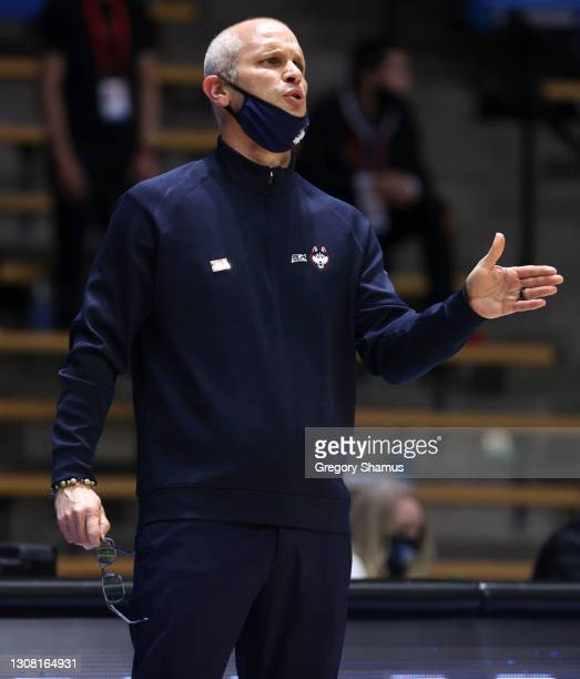 Head coach Dan Hurley of the Connecticut Huskies looks on during the first half against the Maryland Terrapins in the first round game of the 2021...