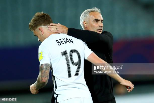 Head coach Darren Bazeley of New Zealand hugs Myer Bevan during the FIFA U20 World Cup Korea Republic 2017 group E match between New Zealand and...