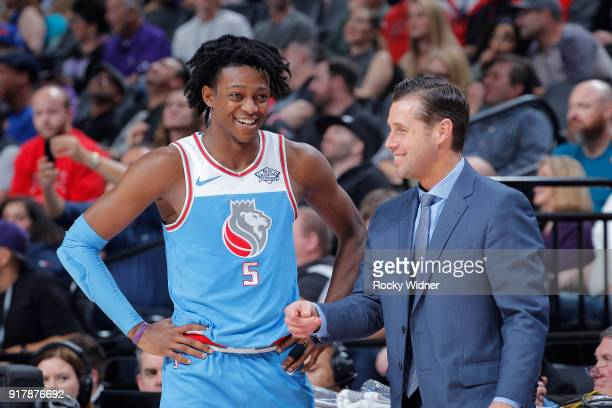 Head coach Dave Joerger of the Sacramento Kings talks with De'Aaron Fox during the game against the Chicago Bulls on February 5 2018 at Golden 1...