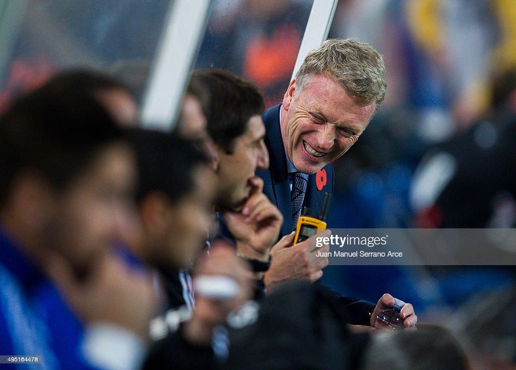 Head coach David Moyes of Real Sociedad reacts during the La Liga match between Real Sociedad de Futbol and Celta de Vigo de Futbol at Estadio Anoeta on October 31, 2015 in San Sebastian, Spain.