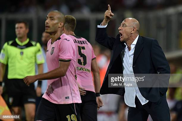 Head coach Davide Ballardini of Palermo issues reacts during the Coppa Italia Tim Cup match between US Citta' di Palermo and AS Bari at Stadio Renzo...