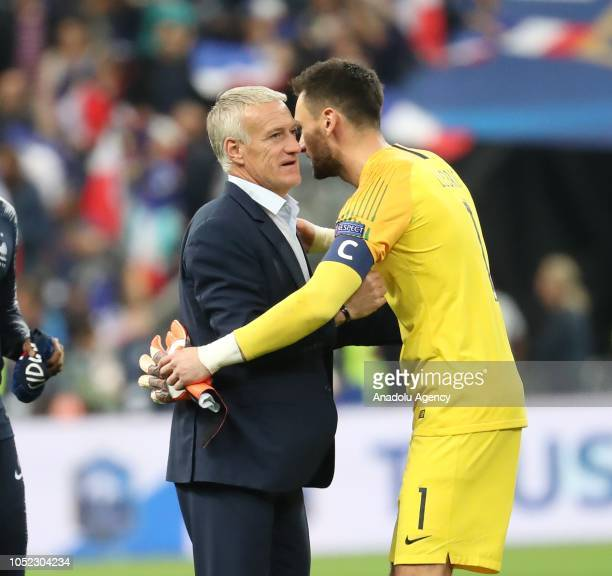 Head coach Didier Deschamps of France congratulates Hugo Lloris after the UEFA Nations League A Group 1 match between France and Germany at Stade de...
