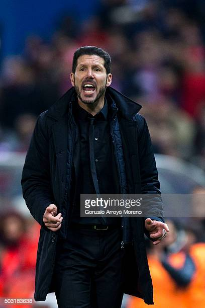 Head coach Diego Pablo Simeone of Atletico de Madrid encourages his team during the La Liga match between Club Atletico de Madrid and Levante UD at...