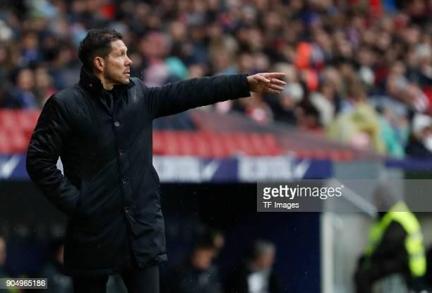 Head coach Diego Pablo Simeone of Atletico Madrid gestures during the La Liga match between Atletico Madrid and Getafe at Estadio Wanda Metropolitano...