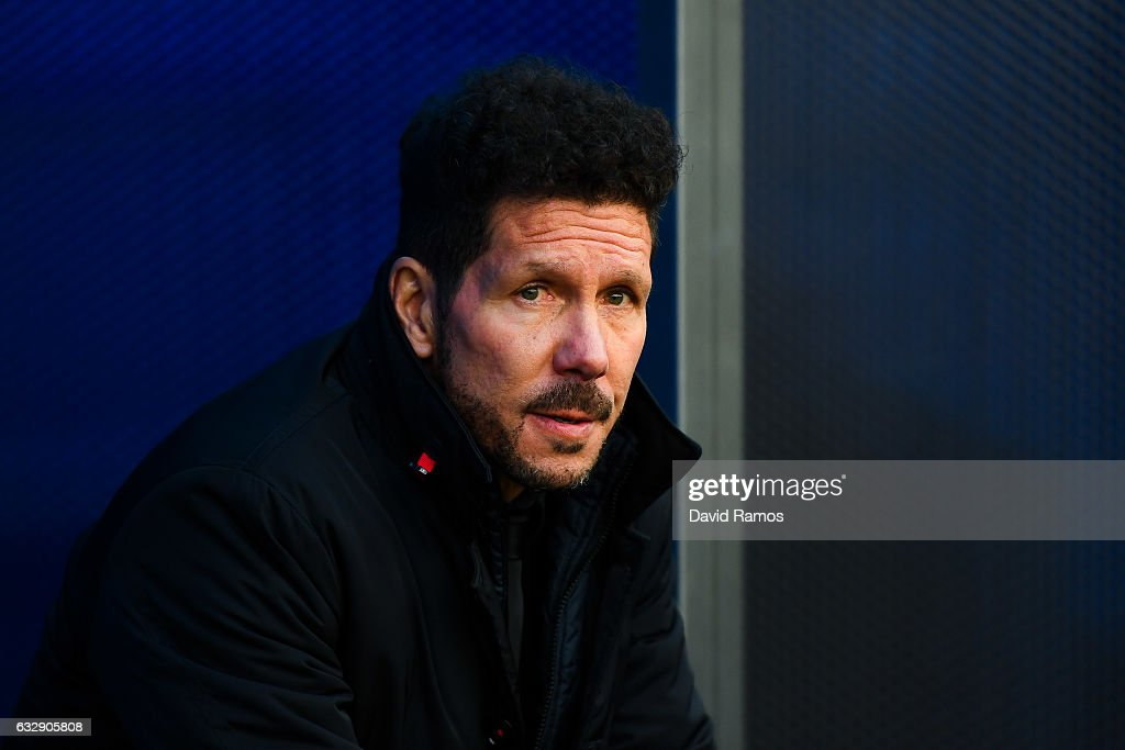 Head coach Diego Pablo Simeone of Club Atletico de Madrid looks on prior to the kick-off during the La Liga match between Deportivo Alaves and Club Atletico de Madrid at Mendizorroza stadium on January 28, 2017 in Vitoria-Gasteiz, Spain.