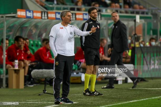 Head coach Dietmar Kuehbauer of Rapid and head coach Dominik Thalhammer of LASK during the tipico Bundesliga match between SK Rapid Wien and LASK at...