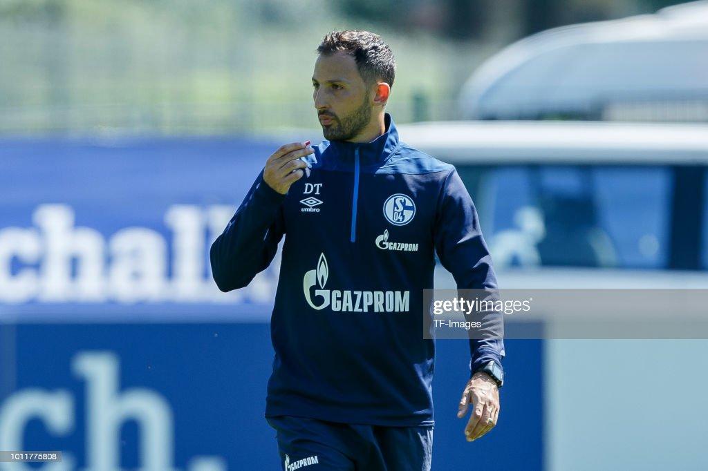 Schalke 04 Training Camp : ニュース写真