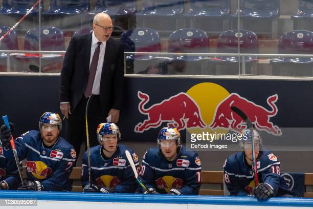 Head coach Don Jackson of EHC Red Bull Muenchen looks on during the DEL match between EHC Red Bull Muenchen and Augsburger Panther on January 12,...