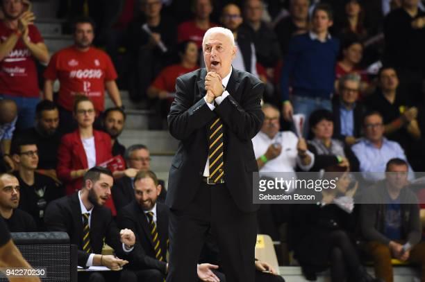Head coach Dragan Sakota of AEK Athens during the Champions League match between Strasbourg and AEK Athens on April 4 and 2018 in Strasbourg and...