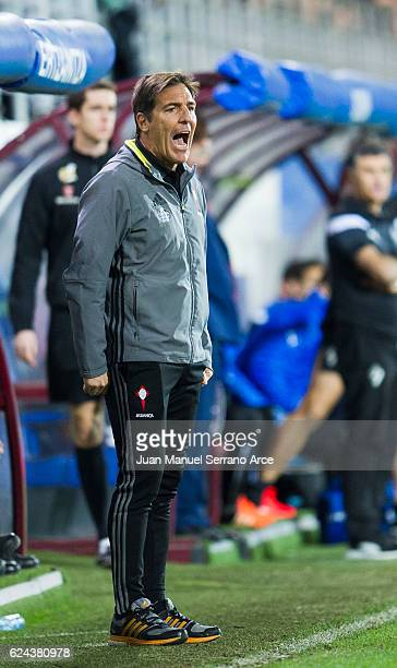 Head coach Eduardo Berizzo of RC Celta de Vigo reacts during the La Liga match between SD Eibar and RC Celta de Vigo at Ipurua Municipal Stadium on...