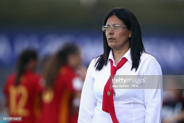 Head coach Epifania Benitez of Paraguay reacts during the FIFA U20 Women's World Cup France 2018 group C match between Paraguay and Spain at Stade...