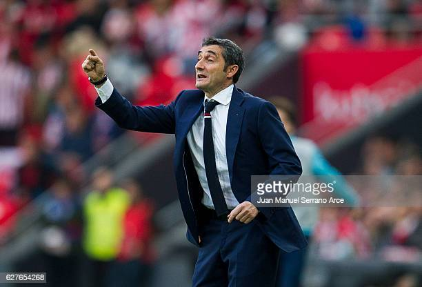 Head coach Ernesto Valverde of Athletic Club reacts during the La Liga match between Athletic Club Bilbao and SD Eibar at San Mames Stadium on...