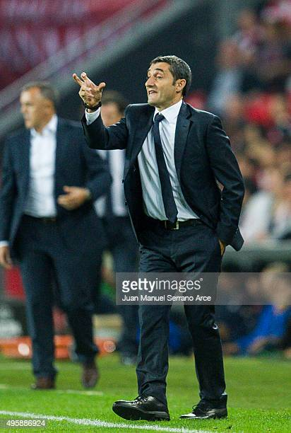 Head coach Ernesto Valverde of Athletic Club reacts during the UEFA Europa League match between Athletic Club and FK Partizan at San Mames Stadium on...