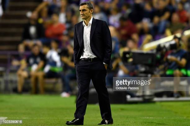 Head coach Ernesto Valverde of Barcelona during the La Liga match between Real Valladolid CF and FC Barcelona at Jose Zorrilla on August 25 2018 in...