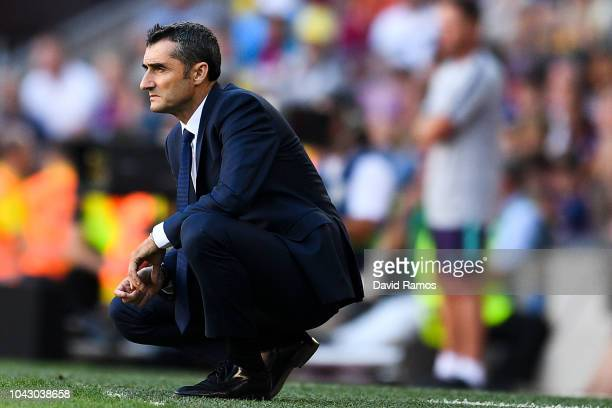 Head coach Ernesto Valverde of FC Barcelona looks on during the La Liga match between FC Barcelona and Athletic Club at Camp Nou on September 29 2018...