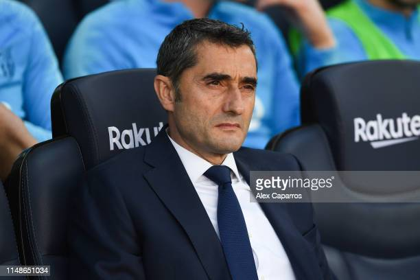 Head coach Ernesto Valverde of FC Barcelona looks on during the La Liga match between FC Barcelona and Getafe CF at Camp Nou on May 12, 2019 in...