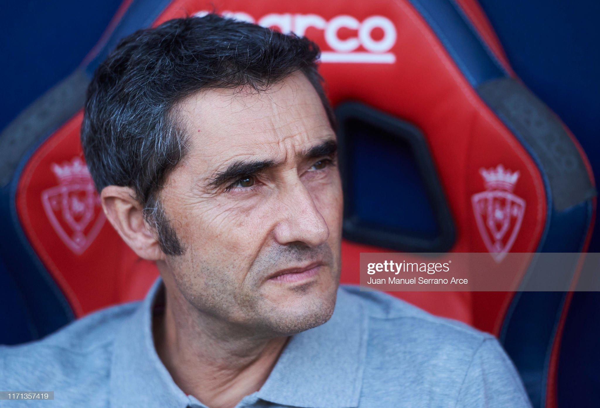 صور مباراة : أوساسونا - برشلونة 2-2 ( 31-08-2019 )  Head-coach-ernesto-valverde-of-fc-barcelona-looks-on-prior-to-the-picture-id1171357419?s=2048x2048