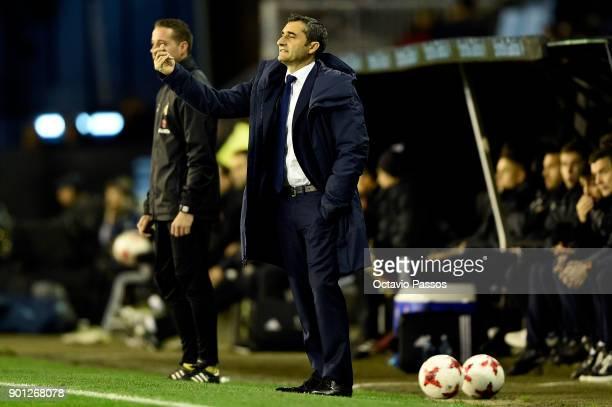 Head coach Ernesto Valverde of FC Barcelona reacts during the Copa del Rey round of 16 first leg match between RC Celta de Vigo and FC Barcelona at...