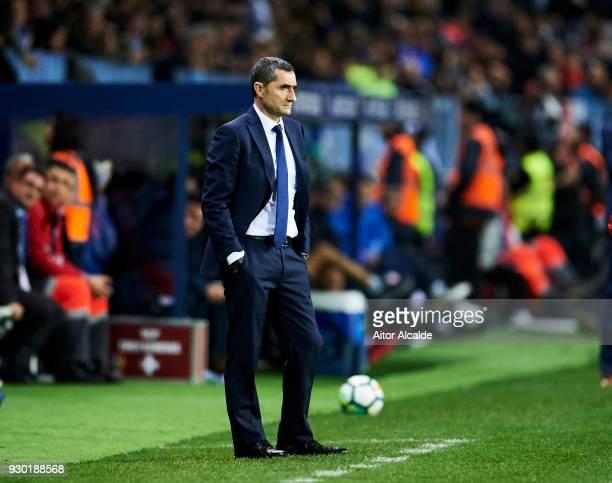 Head coach Ernesto Valverde of FC Barcelona reacts during the La Liga match between Malaga and Barcelona at Estadio La Rosaleda on March 10 2018 in...
