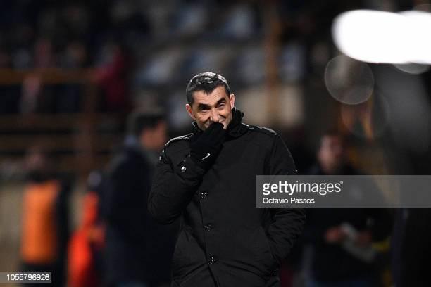 Head coach Ernesto Valverde of FC Barcelona reacts during the Spanish Copa del Rey match between Cultural Leonesa and FC Barcelona at Estadio Reino...