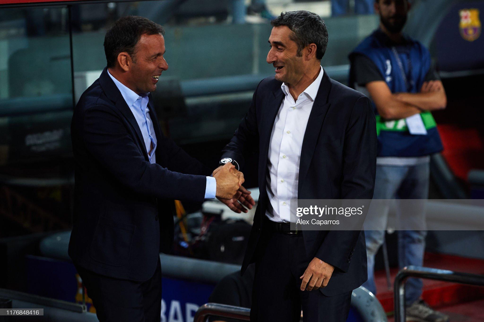 صور مباراة : برشلونة - فياريال 2-1 ( 24-09-2019 )  Head-coach-ernesto-valverde-of-fc-barcelona-shakes-hands-with-head-picture-id1176848416?s=2048x2048