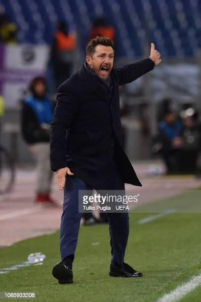 Head coach Eusebio Di Francesco of AS Roma issues instructions during the Group G match of the UEFA Champions League between AS Roma and Real Madrid...