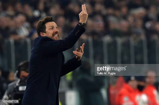 Head coach Eusebio Di Francesco of Roma issues instructions during the Serie A match between Juventus and AS Roma on December 22 2018 in Turin Italy