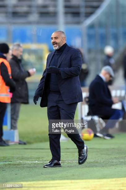 Head coach Fabio Liverani of Lecce looks on during the Serie A match between Brescia Calcio and US Lecce at Stadio Mario Rigamonti on December 14...