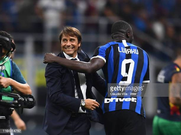 Head coach FC Internazionale Antonio Conte and Romelu Menama Lukaku Bolingoli of FC Internazionale celebrate at the end of the Serie A match between...