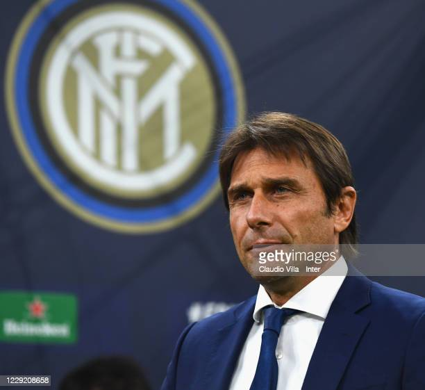 Head coach FC Internazionale Antonio Conte looks on during the UEFA Champions League Group B stage match between FC Internazionale and Borussia...