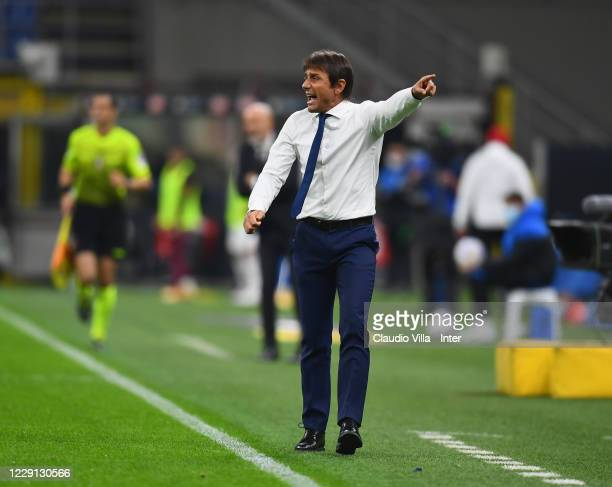 Head coach FC Internazionale Antonio Conte reacts during the Serie A match between FC Internazionale and AC Milan at Stadio Giuseppe Meazza on...