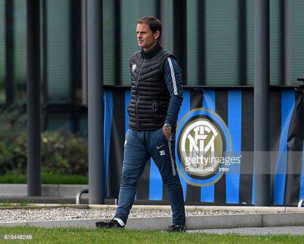 Head coach FC Internazionale Frank de Boer looks on during the FC Internazionale training session at the club's training ground at Appiano Gentile on...