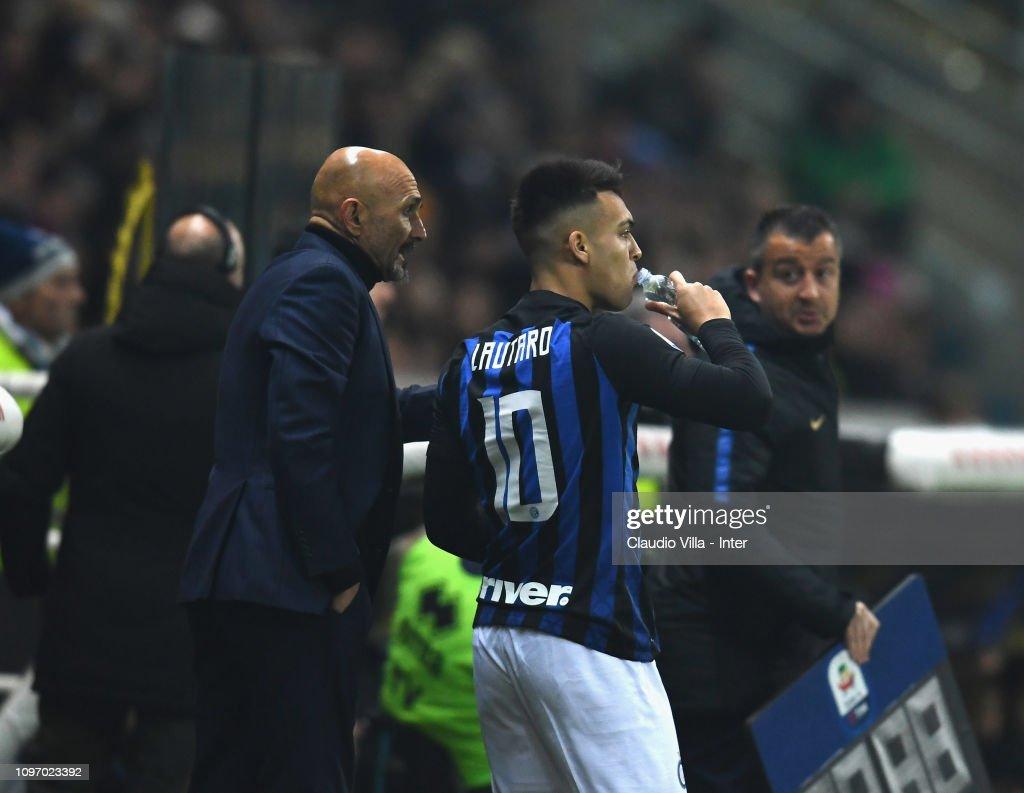 Parma Calcio v FC Internazionale - Serie A : Fotografía de noticias