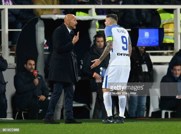 Head coach FC Internazionale Luciano Spalletti and Mauro Icardi chat during the serie A match between ACF Fiorentina and FC Internazionale at Stadio...