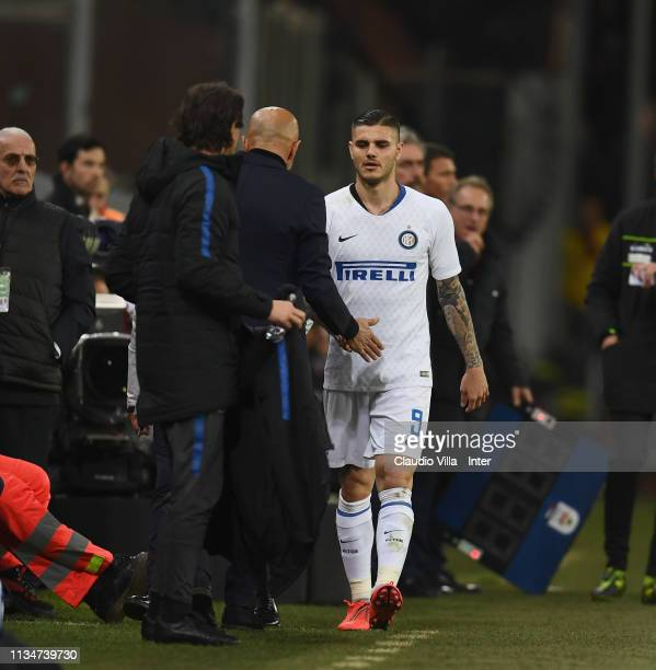 Head coach FC Internazionale Luciano Spalletti and Mauro Icardi of FC Internazionale react during the Serie A match betweenGenoa CFC and FC...