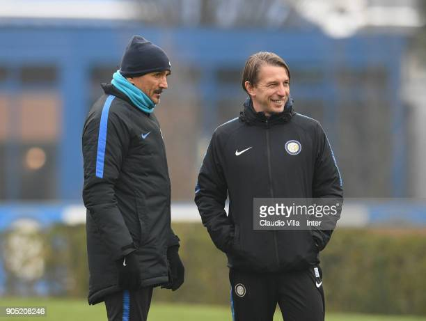Head coach FC Internazionale Luciano Spalletti and Stefano Vecchi chat during the FC Internazionale training session at Suning Training Center at...