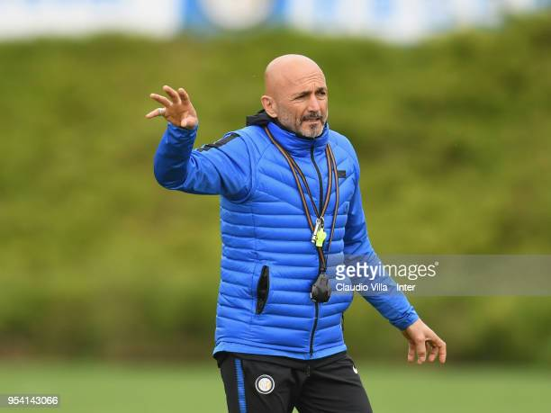 Head coach FC Internazionale Luciano Spalletti gestures during the FC Internazionale training session at the club's training ground Suning Training...