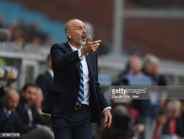 Head coach FC Internazionale Stefano Pioli reacts during the Serie A match between Genoa CFC and FC Internazionale at Stadio Luigi Ferraris on May 7...
