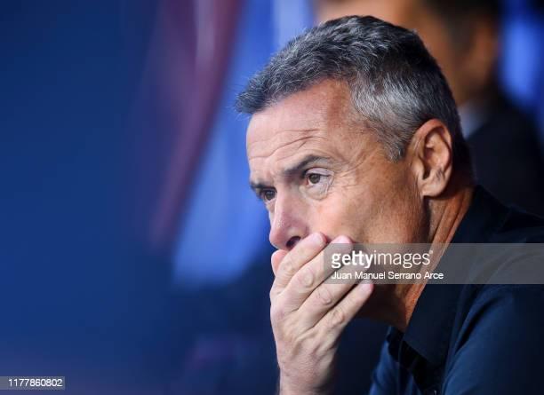 Head coach Fran Escriba of Celta de Vigo reacts during the Liga match between SD Eibar SAD and RC Celta de Vigo at Ipurua Municipal Stadium on...