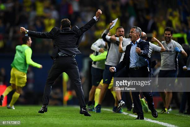 Head Coach Fran Escriba of Villarreal CF celebrates after Cedric Bakambu of Villarreal CF scored his team's second goal during the La Liga match...