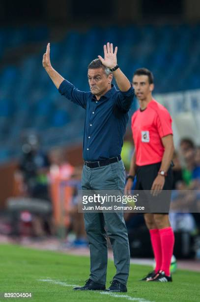Head coach Fran Escriba of Villarreal CF reacts during the La Liga match between Real Sociedad de Futbol and Villarreal CF at Estadio Anoeta on...