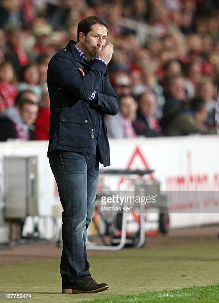 Head coach Franco Foda of Kaiserslautern looks on during the Second Bundesliga match between FC Energie Cottbus and 1.FC Kaiserslautern at Stadion...